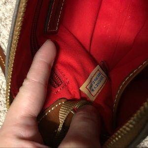 Dooney & Bourke Bags - Dooney and Bourke crossbody bag
